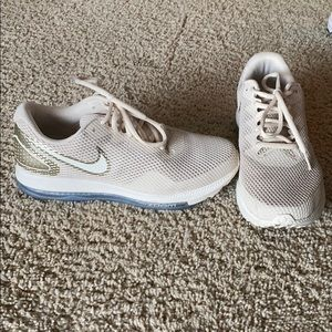 Women's Nike zoom all out size 8